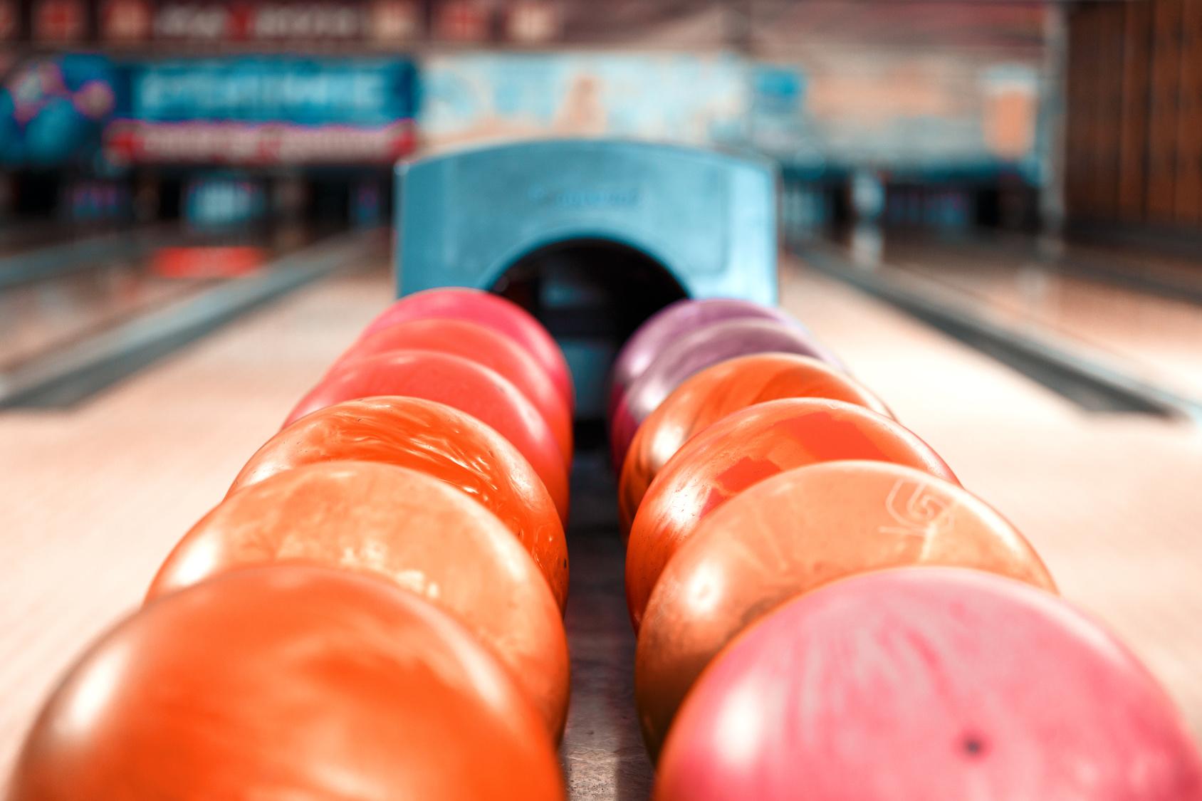 manhattan bowling sports bar werne. Black Bedroom Furniture Sets. Home Design Ideas